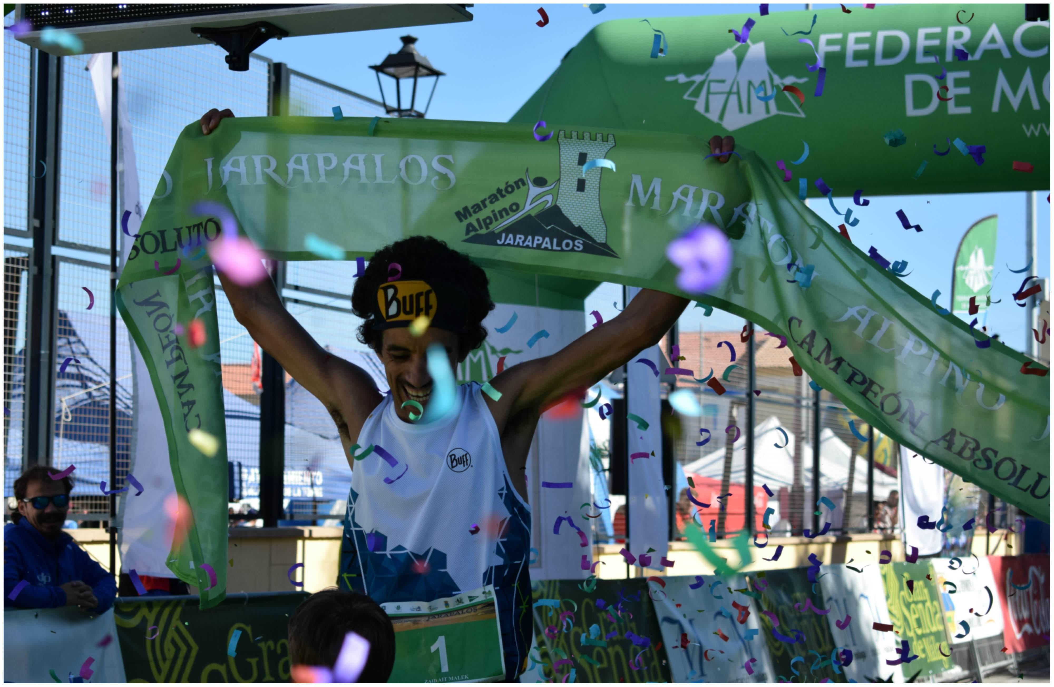 Zaid Ait Malek celebra la victoria en Jarapalos en noviembre de 2017.